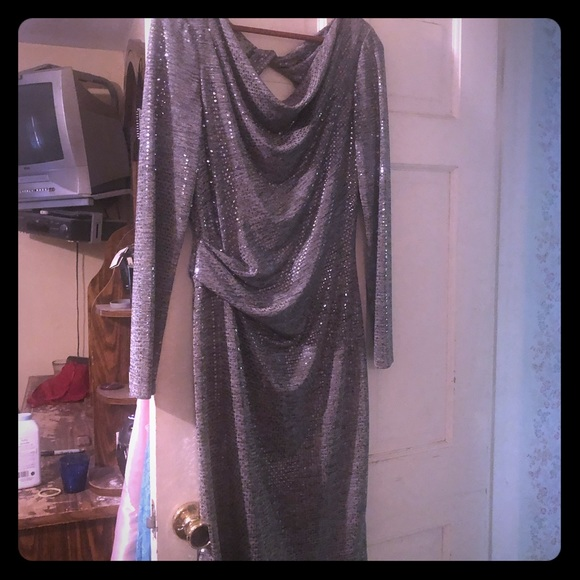 Jessica Howard Dresses & Skirts - Sparkly silver cocktail dress size 12